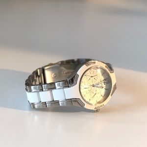 ✨Guess✨ White Watch